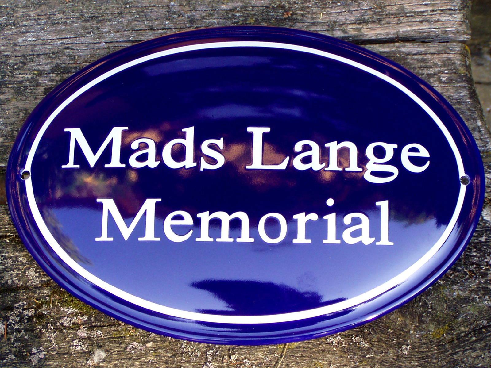 Husskilte-Mads Lange-web1600