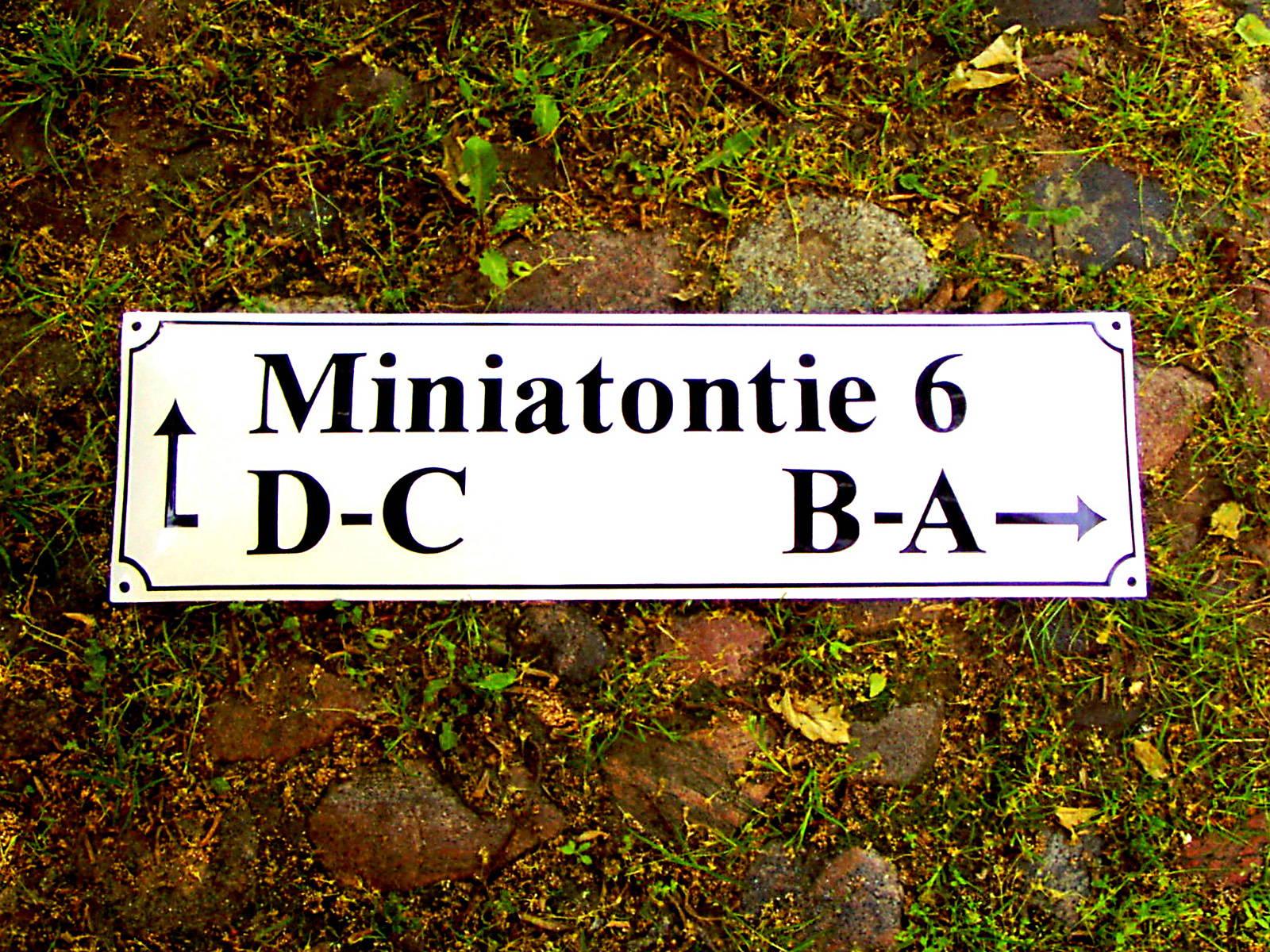 Miniatontie-res-web1600