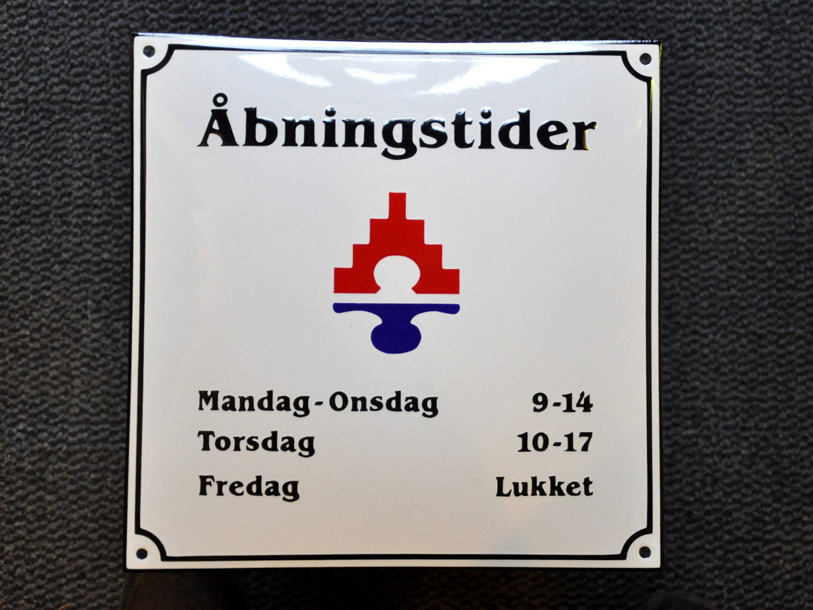 Aabningstider_web